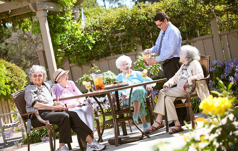 Wonderful services and amenities at the senior living community in Los Altos
