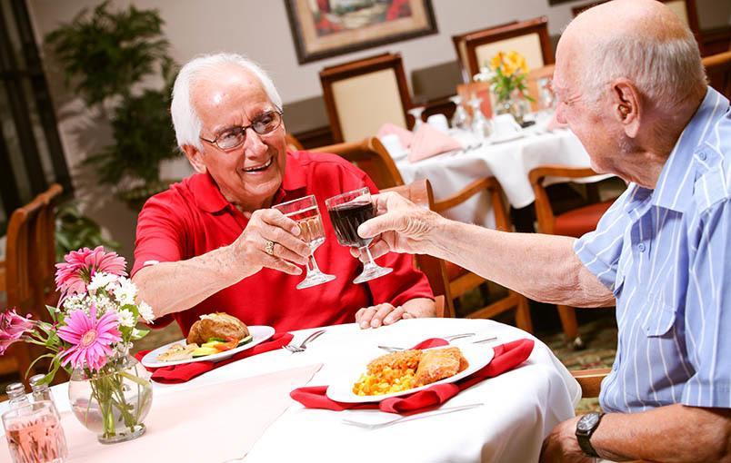 Senior friends enjoying life at Magnolia Glen