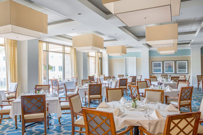 Senior living in Raleigh features a spacious dining room