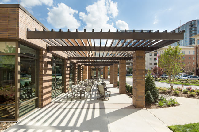 Outdoor seating at senior living in Raleigh