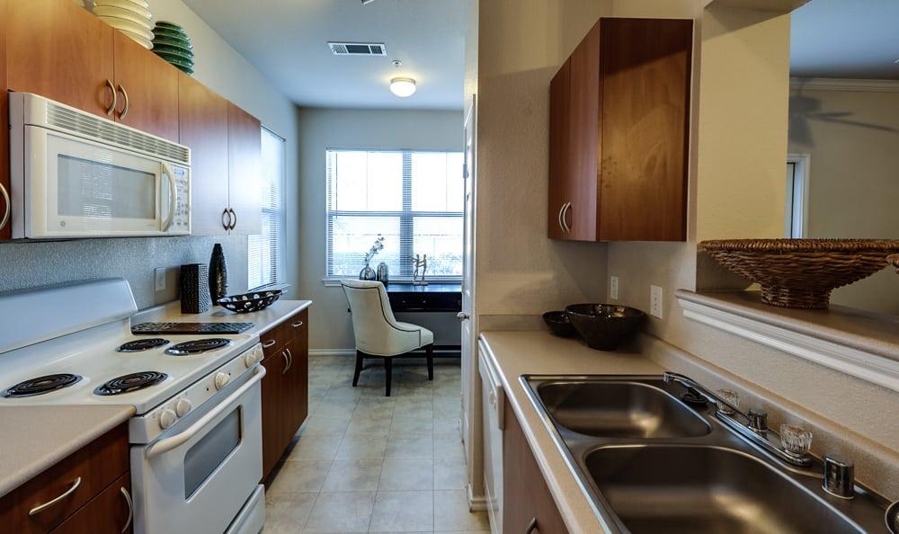 Kitchen appliances at Presidio Apartments in Bryan, TX