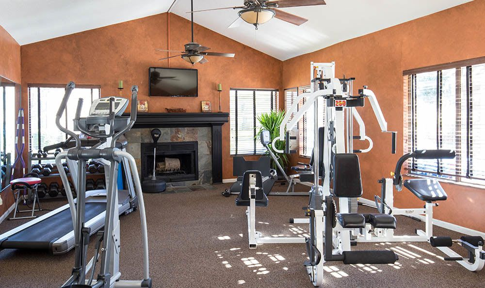 Fitness center at apartments in Overland Park