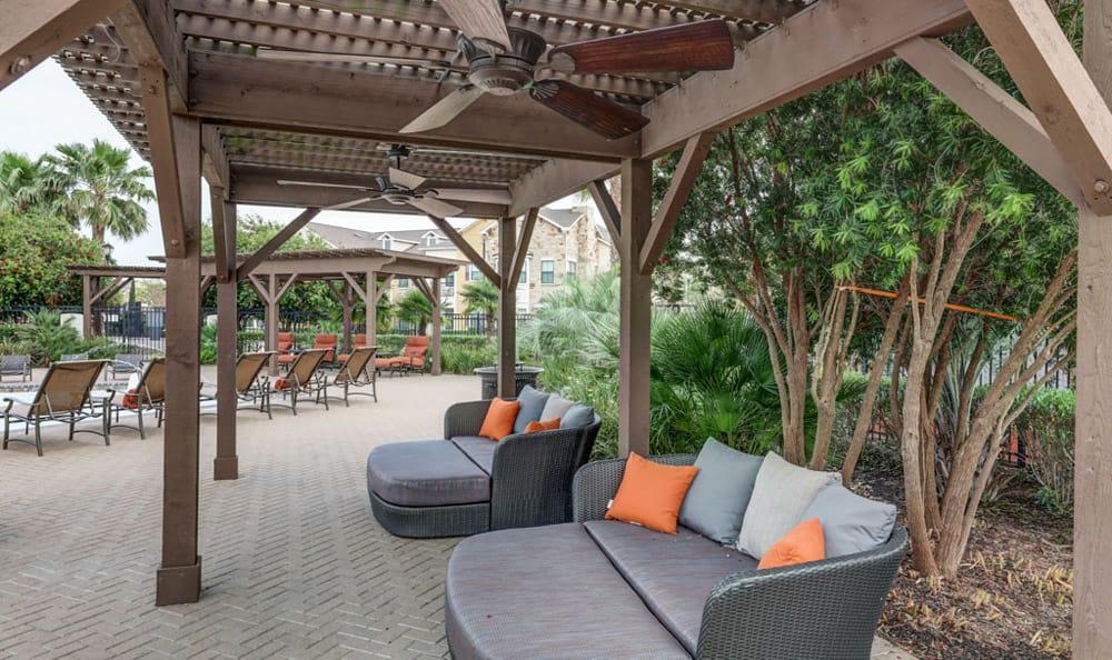 Outdoor covered seating at Grand Villas at Tuscan Lakes