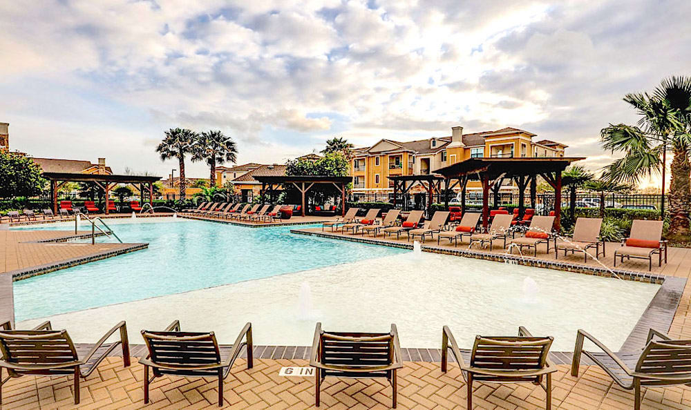 Pool at Grand Villas at Tuscan Lakes