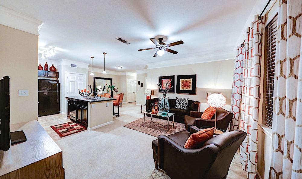 Living room at Grand Villas at Tuscan Lakes