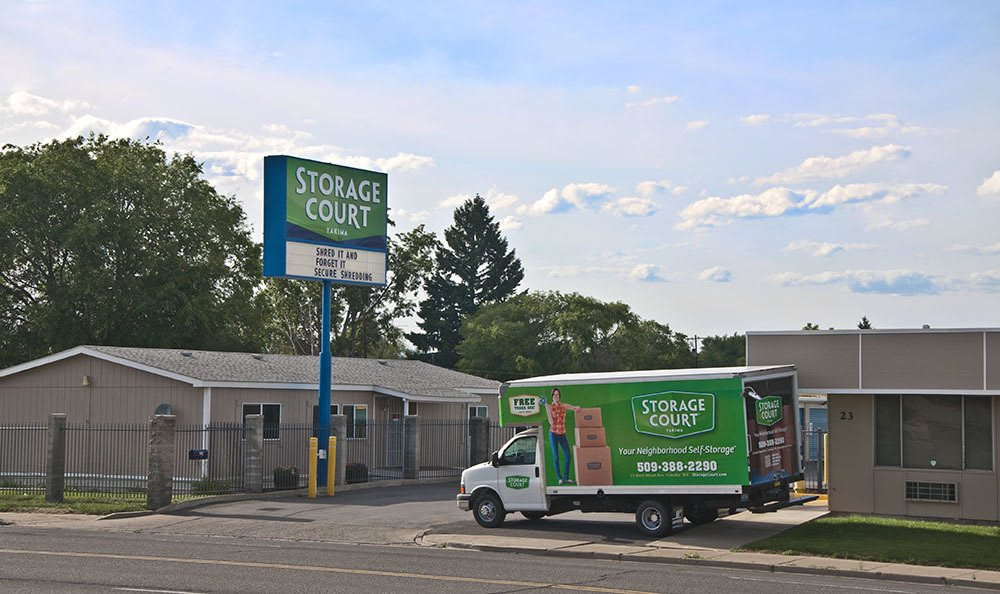 Free rental truck at self storage in Yakima