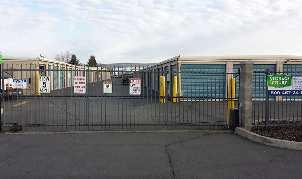 Gated entry at self storage in Yakima