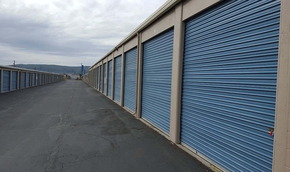 Outside entry at Yakima self storage