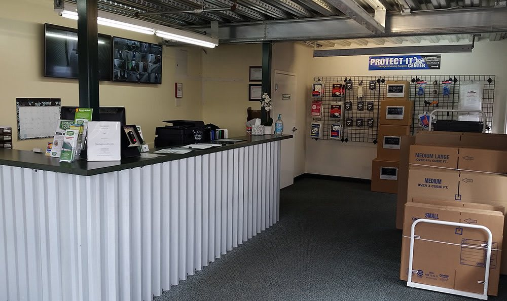 Front desk at self storage in Parkland