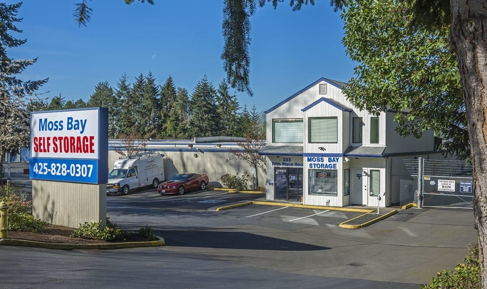 Ground-Level units at self storage in Kirkland, WA