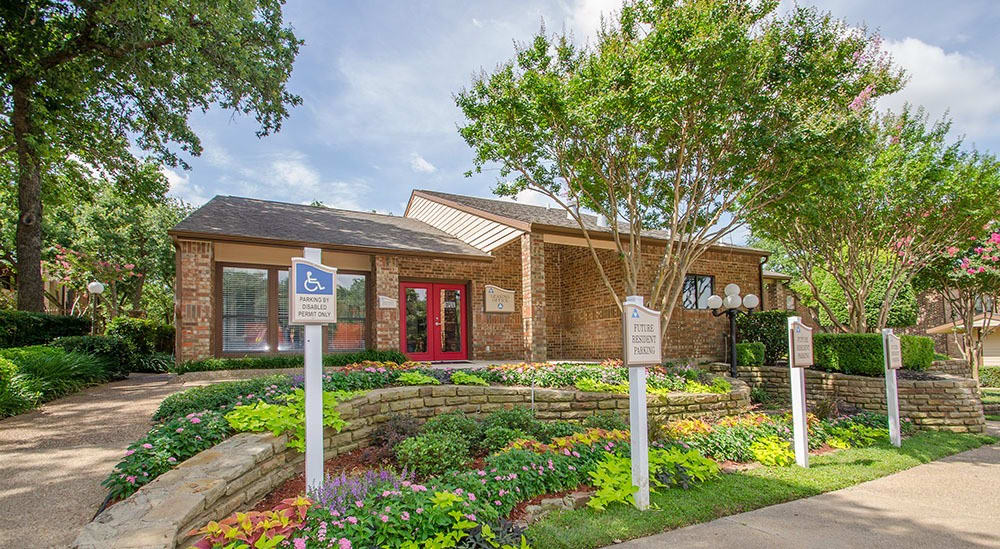 Office at apartments for rent in Grapevine