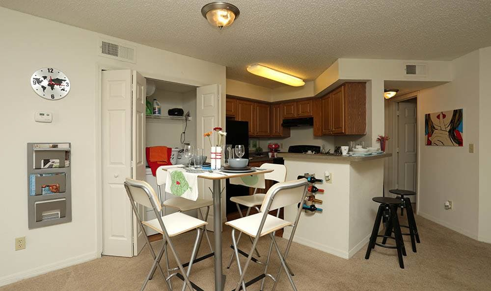 Dining room at apartments in Orlando