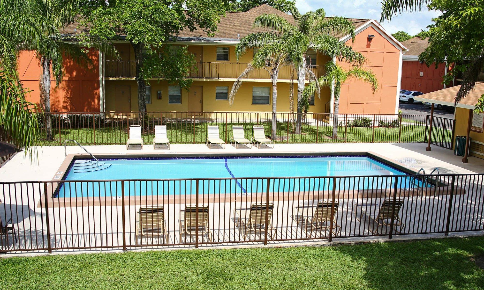 Apartments in Pembroke Pines, FL