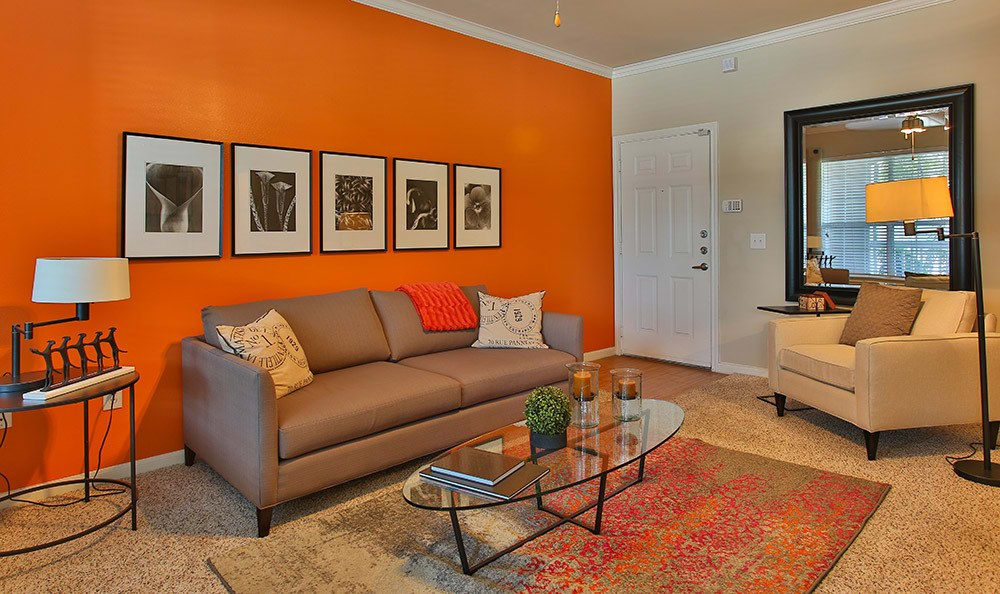 Live at Advenir At Stone Park and make your apartment home your space!