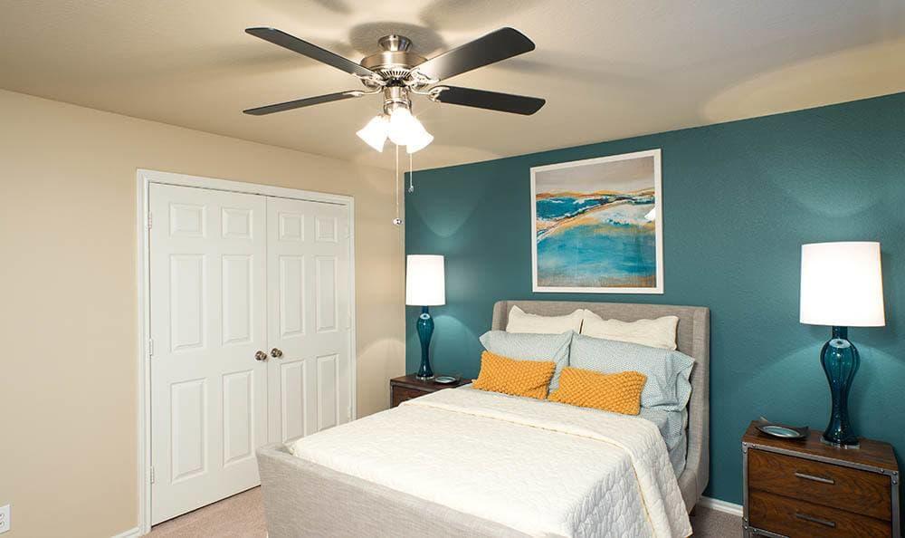Guest Bedroom At Advenir at Prestonwood