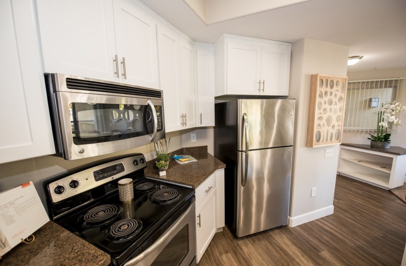 Fully Equipped Kitchen At Apartments In Santa Clara