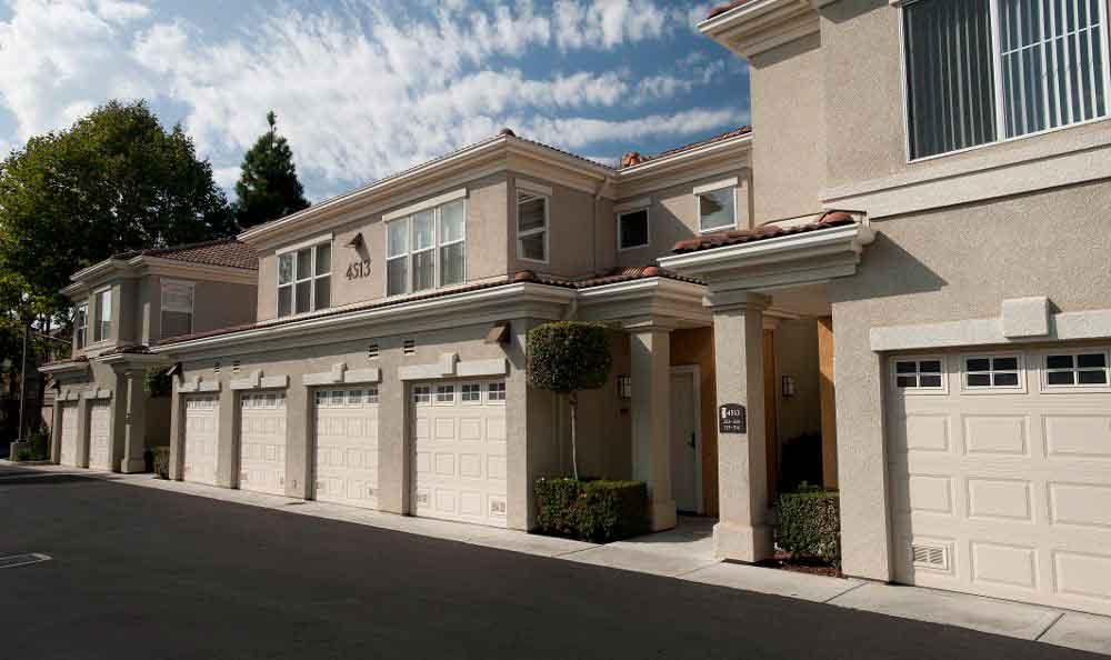 Multiple Garages At Apartments In Santa Clara