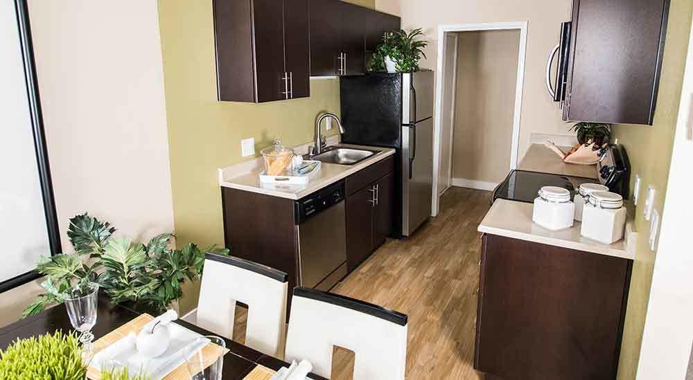 Harbor Cove Apartments kitchen