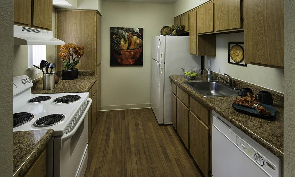 Fully Equipped Kitchen at River Ranch Apartments in Chandler, AZ