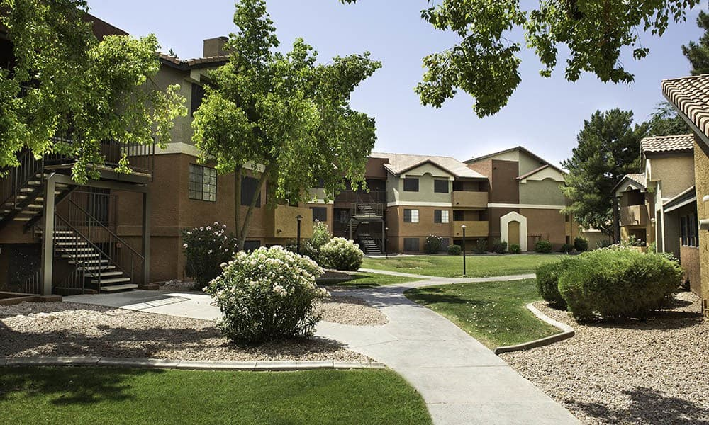 Apartment Exterior at Vista Montana in Gilbert, AZ