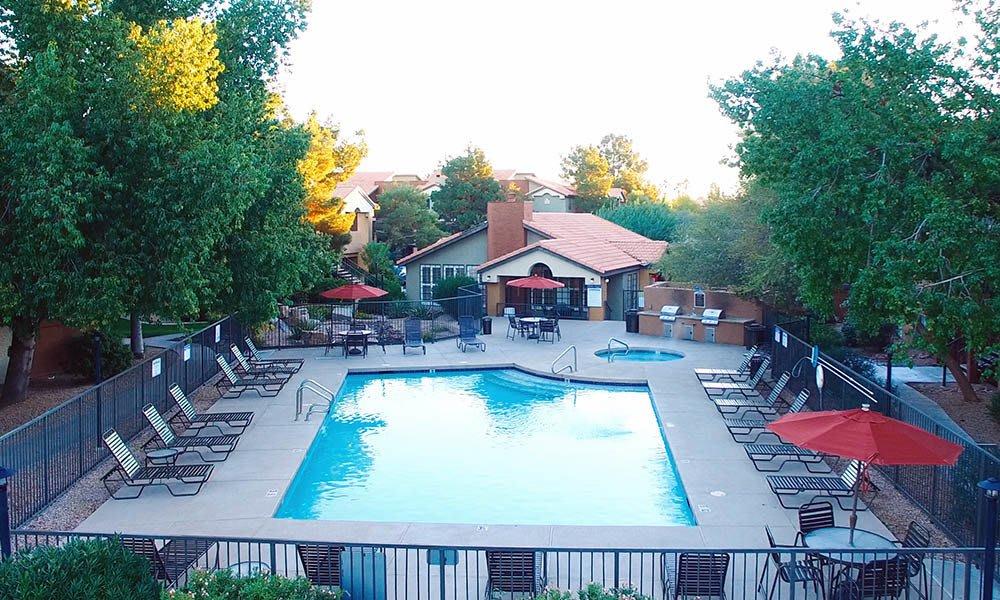 Swimming Pool at Vista Montana in Gilbert, AZ