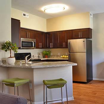 Enjoy the apartment amenities at 2150 Arizona Ave South