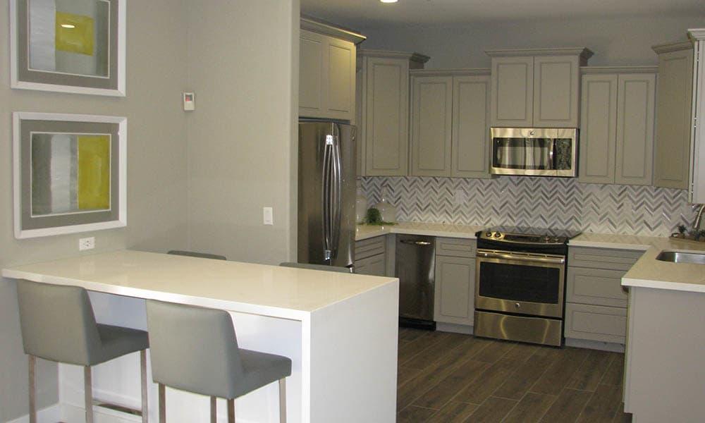 Breakfast Bar And Kitchen at Ocotillo Bay Apartments in Chandler, AZ