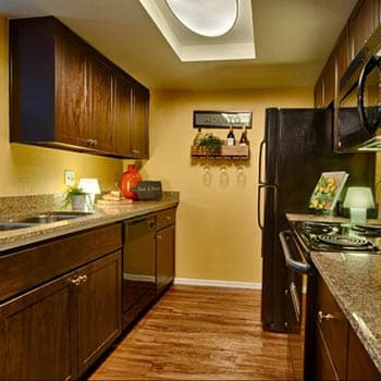 Enjoy the apartment amenities at Casa Santa Fe Apartments