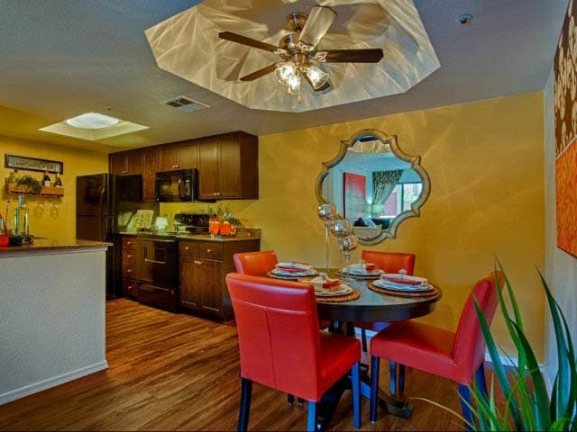 Dining Area at lCasa Santa Fe Apartments in Scottsdale, AZ