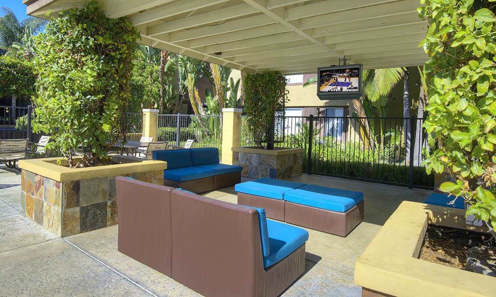 Cabana With Tv at UCE Apartment Homes in Fullerton, CA