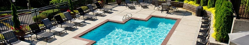 Sammamish apartments have a large and safe pool area