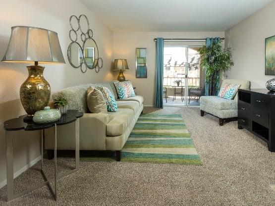 Enjoy the apartment amenities at Rancho Destino Apartments
