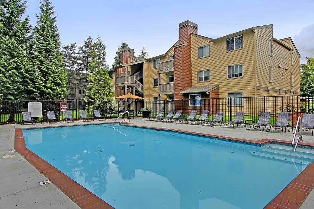 Campbell Run Apartments offers swimming pools that are heated and fun!
