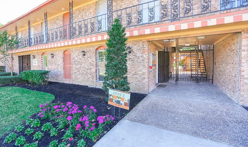 One Pine Apartments Exterior Photo
