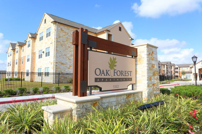 Enjoy the Texas life at Oak Forest.