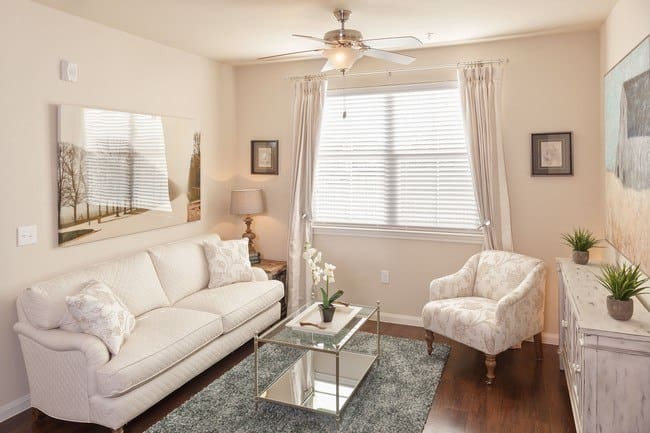 A lovely living room at Oak Forest