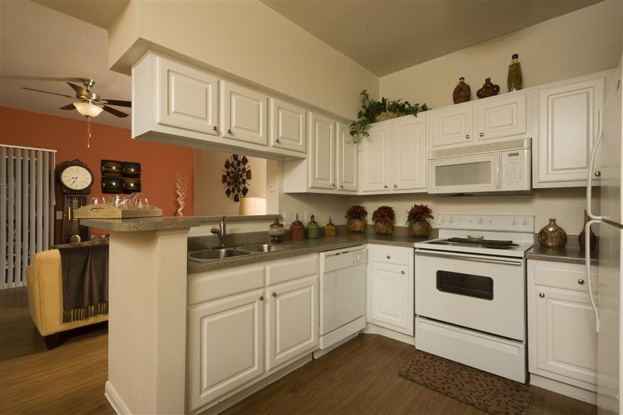 A kitchen example at Eagle Crest Apartments.