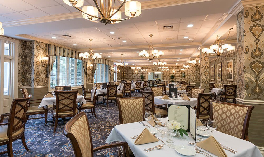 The Heathcote Dining Room at White Plains senior living