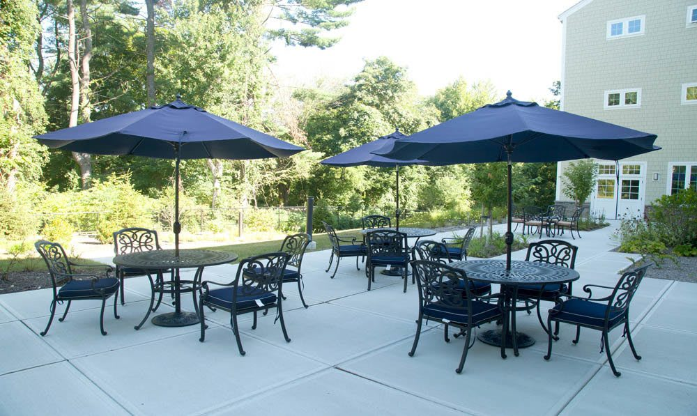 Dine on the patio at Five Corners Bistro, White Plains senior living