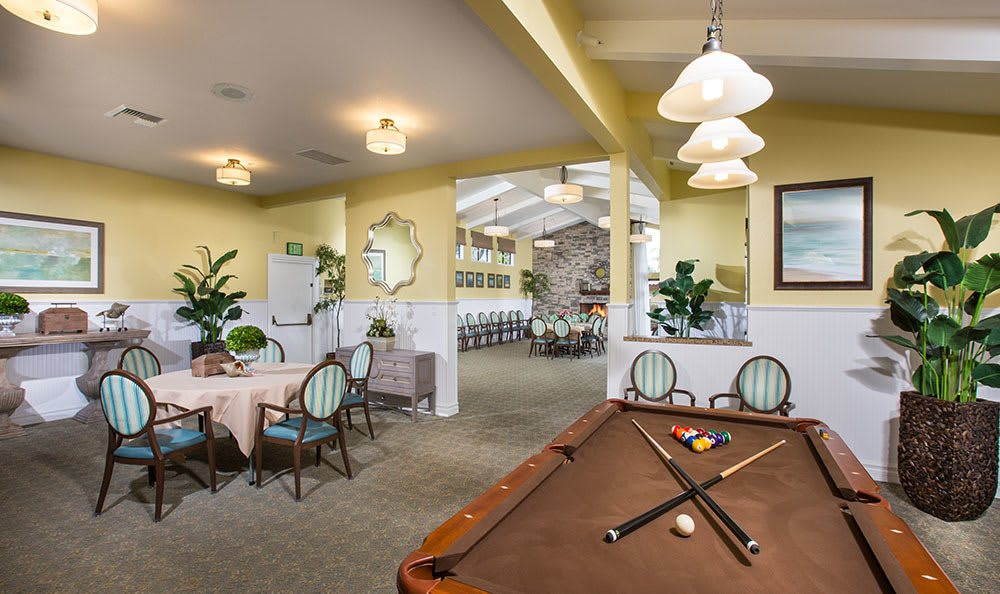 Senior living with lots of amenities in Huntington Beach has a billiard table