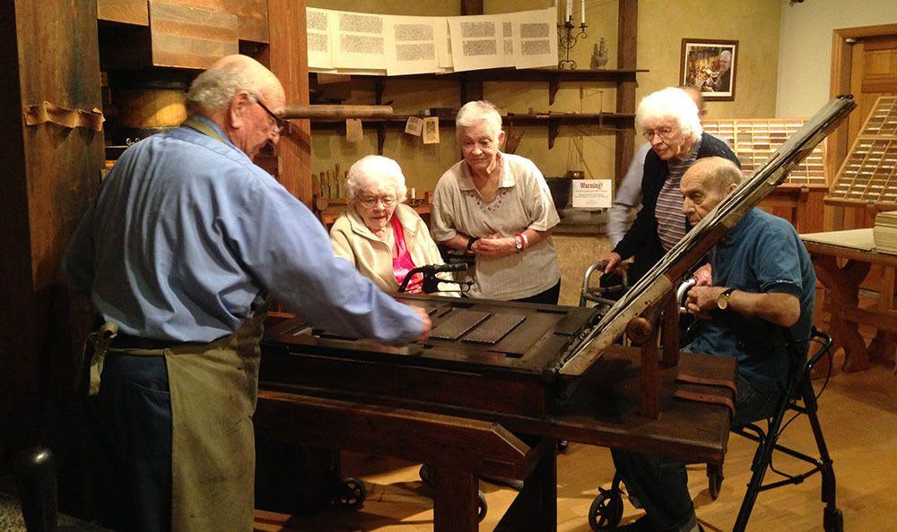 Cedar Hills senior living community takes a trip to the museum