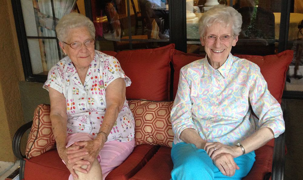 Make lifelong friends with other residents in Tucson senior living