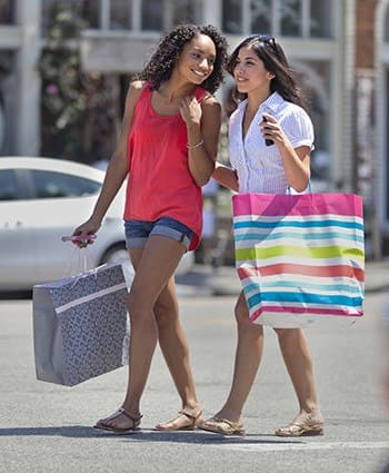 Girls shopping near our fantastic apartment community here at Mosaic San Mateo