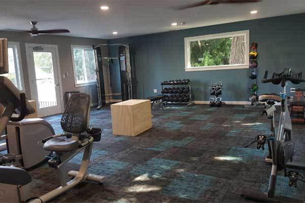 Fitness center at apartments Terra Murrayhill in Beaverton, OR