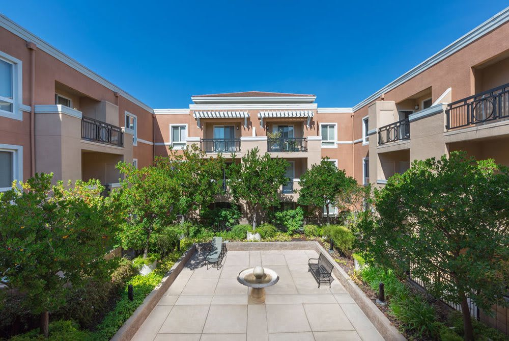 Beautiful exterior to apartments in Sunnyvale