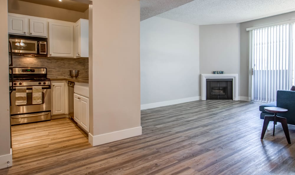 Beautiful apartments with hardwood floors in Los Angeles, CA