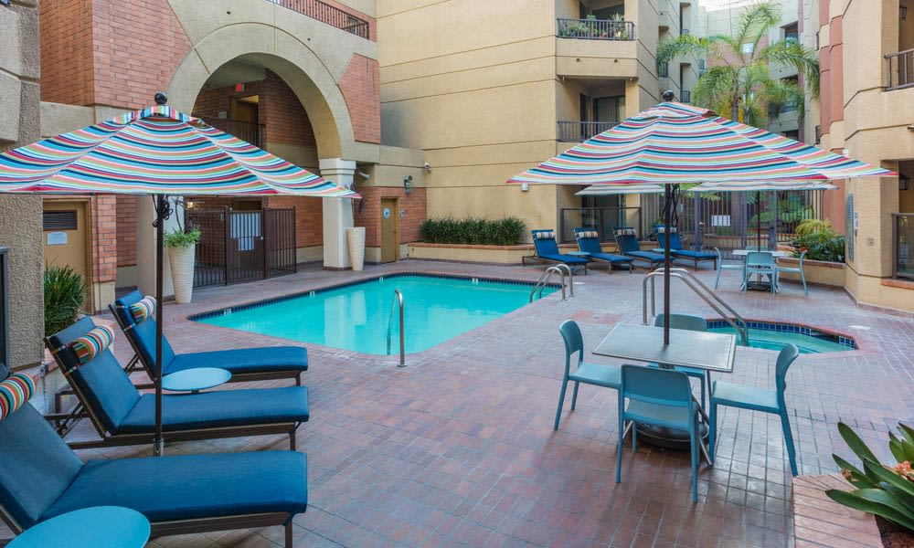A swimming pool that is great for entertaining at Sofi at 3rd in Long Beach, CA