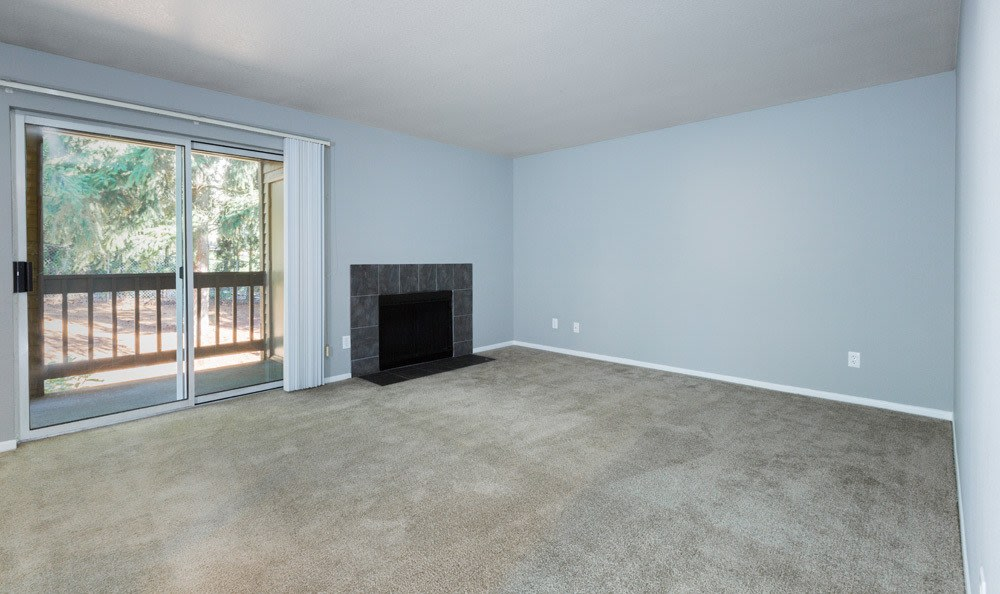Spacious living room at Sofi Lake Oswego in Lake Oswego, OR