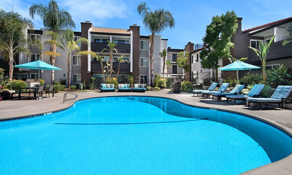 Beautiful swimming pool at Vue at Warner Park in Woodland Hills, California