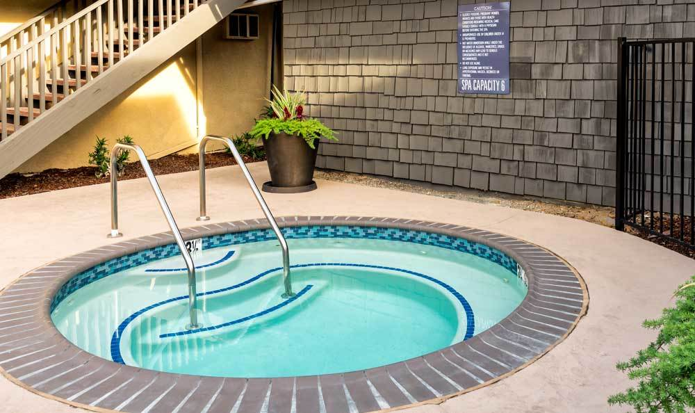San Diego apartments includes hot tub